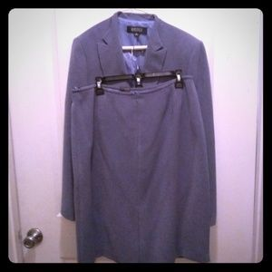 Ladies 2 pc Suit